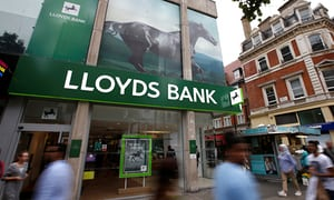 Lloyds Bank bans customers from buying bitcoins using credit cards